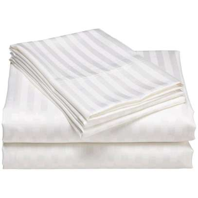 6*6 White bedsheets pair with 2 pillow cases image 1
