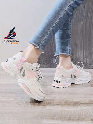 Sport shoes/Sneakers image 5
