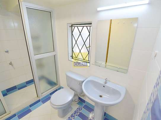 1 bedroom house for rent in Kilimani image 10