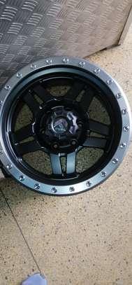 Size 17 Toyota Hilux rims image 2