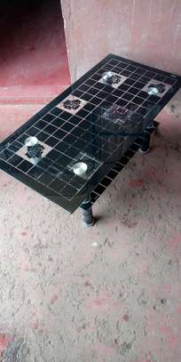 Coffee table with rubbered legs image 1