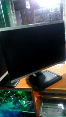 22 inches monitor HP image 3
