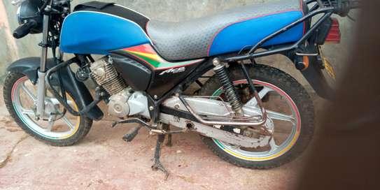 Honda CB 125 image 3