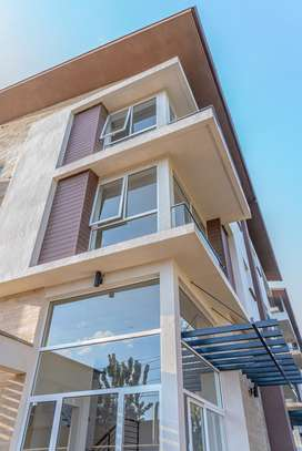 4 bedroom townhouse for rent in Lavington image 5