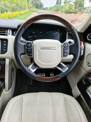 Land Rover Range Rover Vogue image 4
