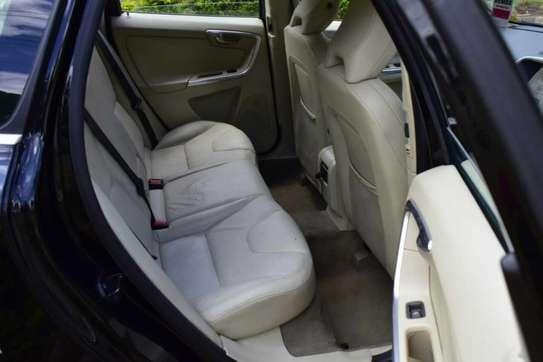 Volvo XC60 image 8