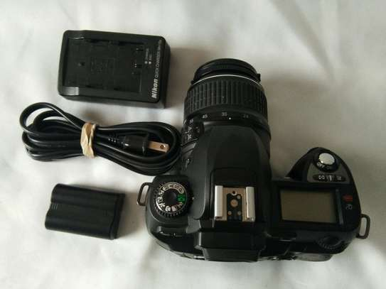Nikon D70+18-55MM Nikon lens image 2