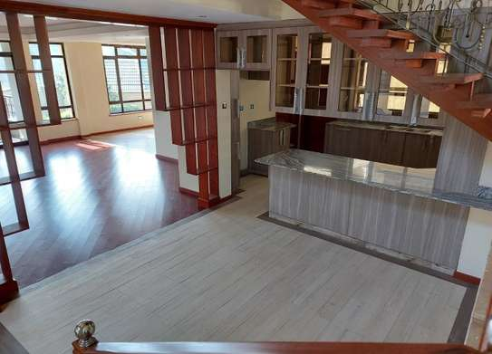 5 bedroom villa for rent in Lavington image 14