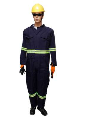 overalls/coveralls image 2