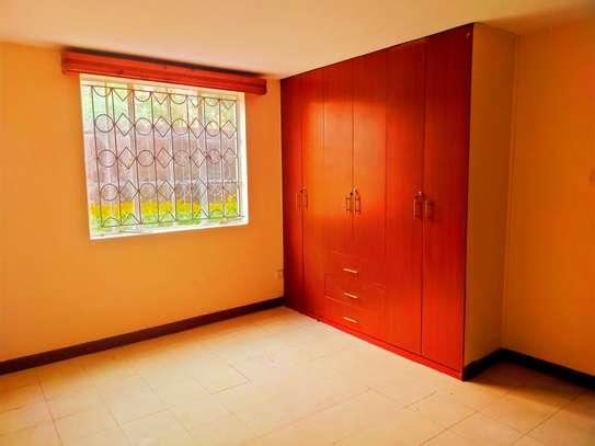 5 bedroom townhouse for rent in Karen image 8