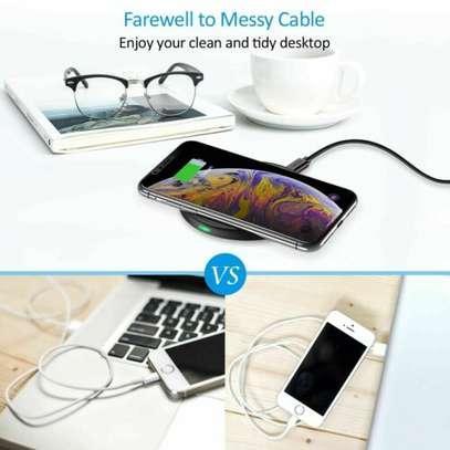 7.5W wireless smartphone charging pad image 4