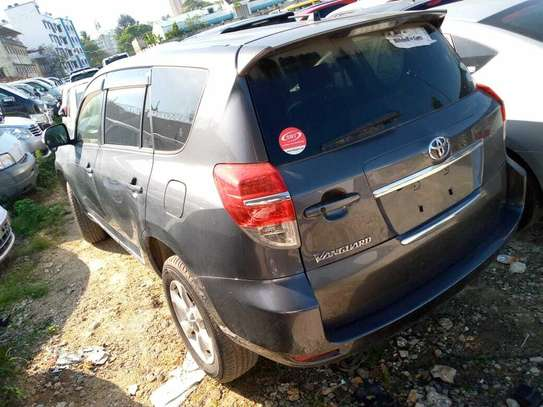 Toyota Vanguard image 11