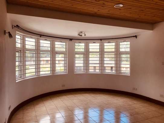 5 bedroom house for rent in Rosslyn image 6