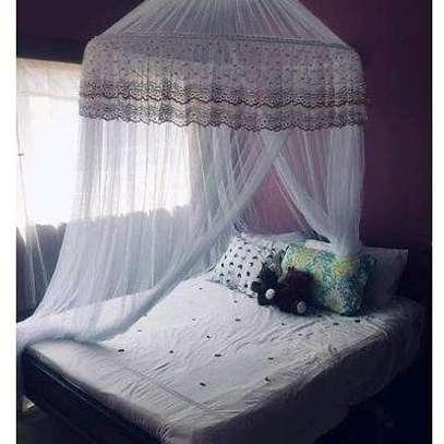 Round mosquito net. image 2