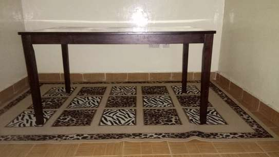 6-seater Dining table image 3