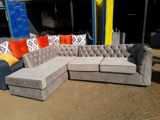 Grey Chesterfield seat image 1