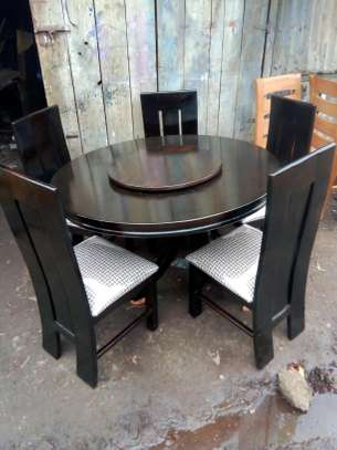 5seater dining table