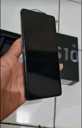 Samsung s10 plus *8gb*512gb* image 2