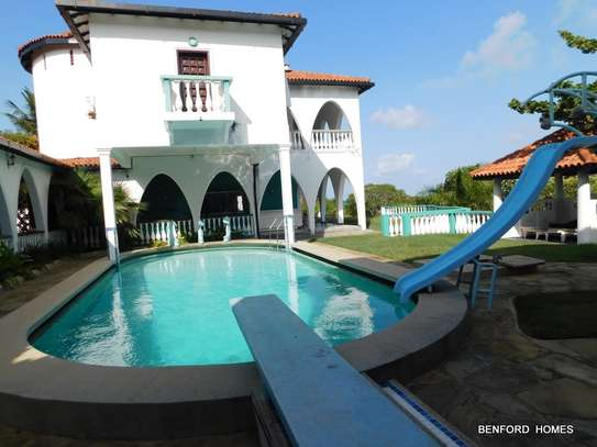 6 bedroom house for rent in Nyali Area image 8