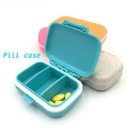 3 grid case pill box image 2