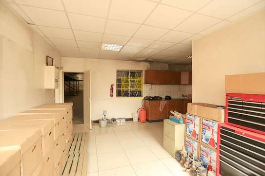 15000 ft² warehouse for rent in Kikuyu Town image 14