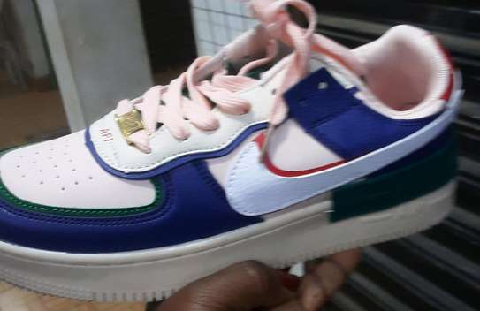 nike air shoes image 2