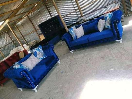 Stylish Timeless Quality 5 Seater Camel Back Chesterfield Sofa image 2