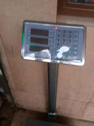 300KG DIGITAL weighing scales image 1