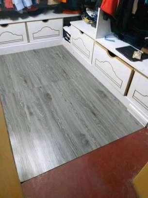 Pvc vinyl floor Tiles That uses glue image 2