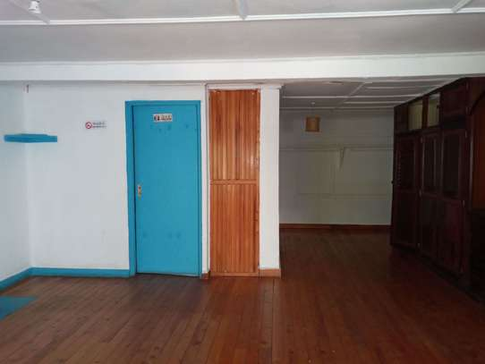 237 m² office for rent in Kilimani image 5