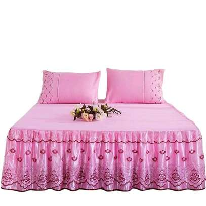 Bedcovers (bedskirts) image 2