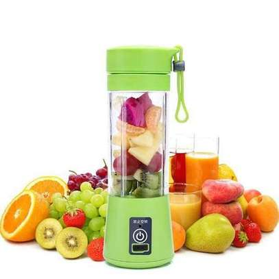 Portable USB Rechargeable Blender/ Juicer/ Squeezers image 1