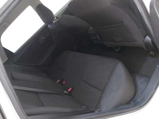 Toyota Auris image 6