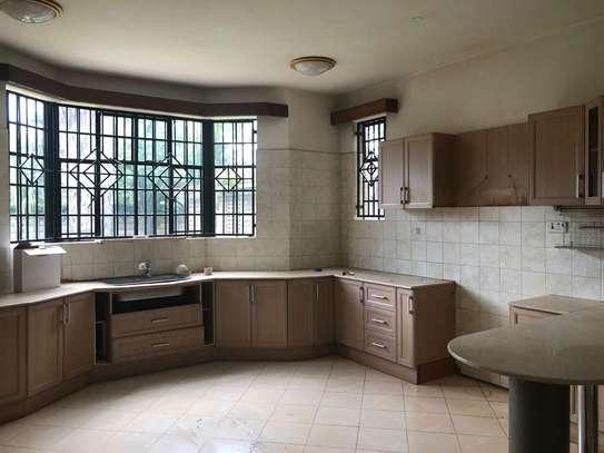 5 bedroom townhouse for rent in Runda image 3