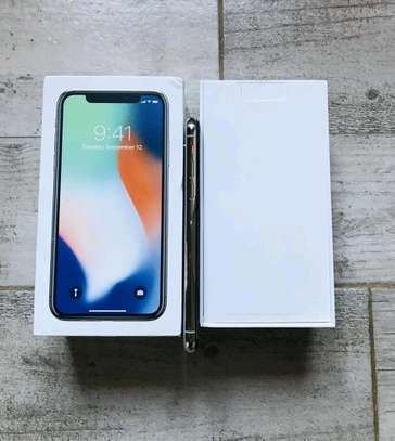 Apple IPhone x 256 Gigabytes Silver And Airpods image 6