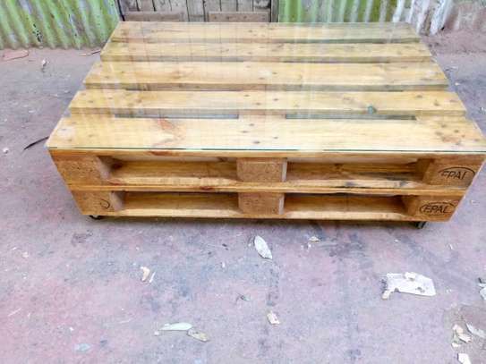 Pallet Coffee Table image 2