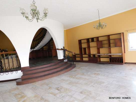 6 bedroom house for rent in Nyali Area image 16