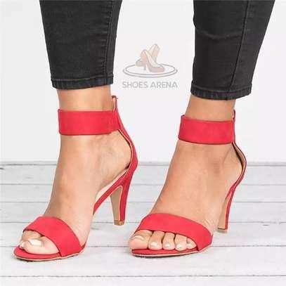 Low heel shoes image 2