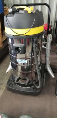 BRAND NEW DRY AND WET CARPET CLEANING MACHINE.
