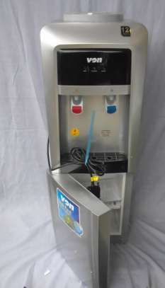 HOT & COLD WATER DISPENSER Von Hotpoint Elec.Cooling F/S W/Cabinet image 2