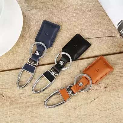 Smart Bluetooth Leather Key Holder image 1