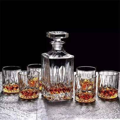 Whisky decanter 800ml with 6 glasses . image 1