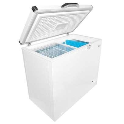 Ramtons CF/231 -140L Freezer + Icepak Ext Condenser - White image 1