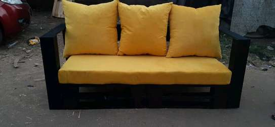 Pallet couch image 1