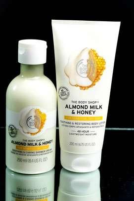 Almonde shower gel /lotion image 1