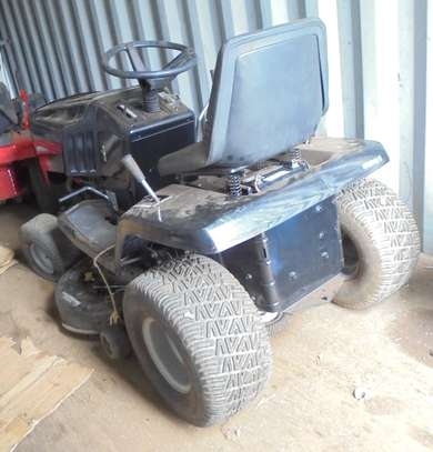 MURRAY Rear-Engine Riding Lawn Mower image 4