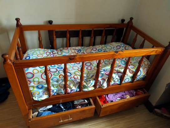 Kids baby cot image 3
