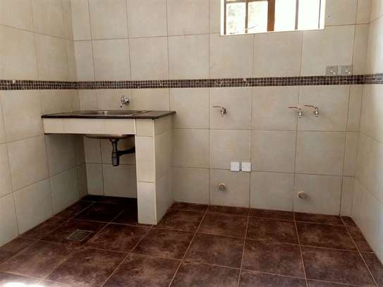 4 bedroom house for rent in Rosslyn image 15