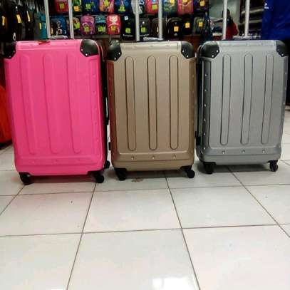 Quality durable suitcases image 3