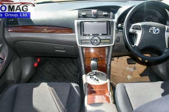 Toyota Allion image 9